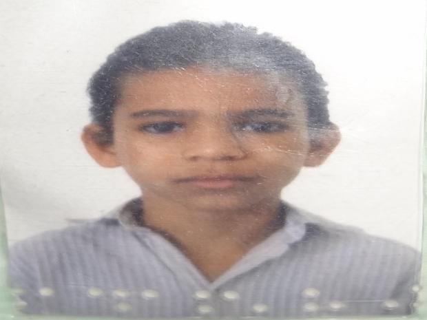 Fernando Durval da Silva, executado com 9 tiros Liberdade II