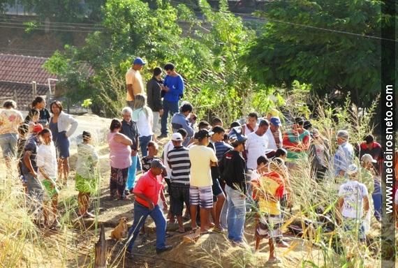 Jose de Araujo Santos morto apos cair em buraco em Medeiros Neto (3)