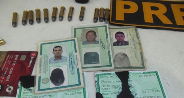 Vendedores presos com armas documentos falsos e carros for Interior y policia consulta de arma